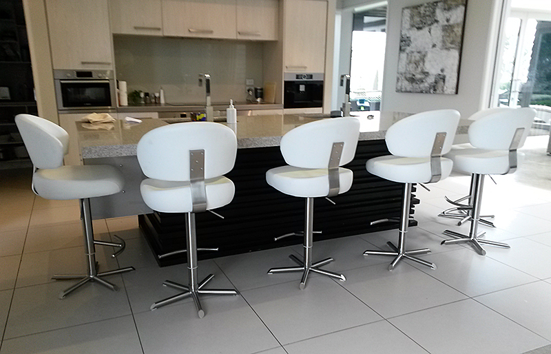 About us bar stools breakfast bar stools smooch for Most comfortable bar stools
